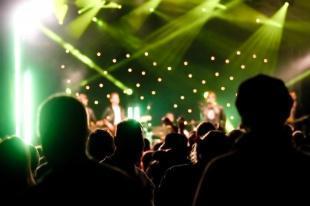 3年ぶり来日公演目前! 世界を代表するロックバンド Coldplay を予習しよう!